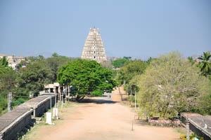 Храм Вирупакша это лучшая достопримечательность базара Хампи