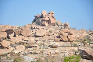 Храмы на вершине холма