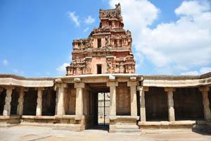Этот комплекс был построен, чтобы отпраздновать завоевание восточного царства Удаягири