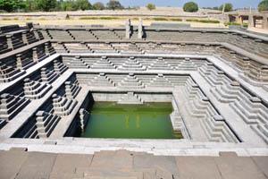 Общественная баня в Маханавами Диббе