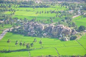 Восхитительный каменный холм
