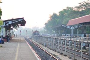 Ран утром на железнодорожной станции Мадгаон