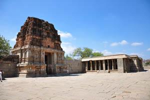 Южный вход в храмовый комплекс Виттала