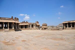 Храм Виттала и каменная Колесница
