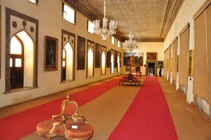 Зал с античной коллекцией портретов