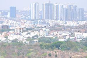 Форт с видом на комплекс небоскребов Хайдерабада