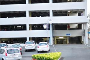 Парковка в кампусе Оракл