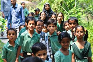 Группа индийских школьников в Мире бабочек