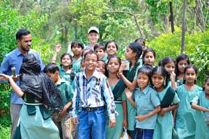 Индийские дети счастливы быть здесь