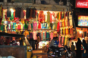 Магазин с одеждой возле Чарминара
