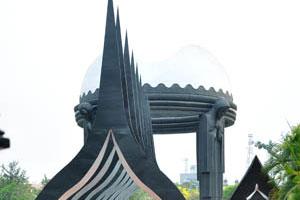 Внутри мемориала НТР