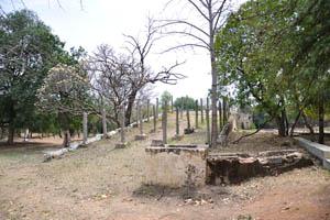 Руины гробницы