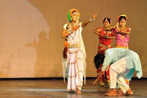 Дух Раможи - индийский танец имеет свои уникальные движения