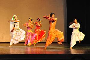 Дух Раможи - быстрые движения в танце