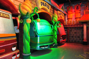 Филми Диния: зелёные и красные автобусы