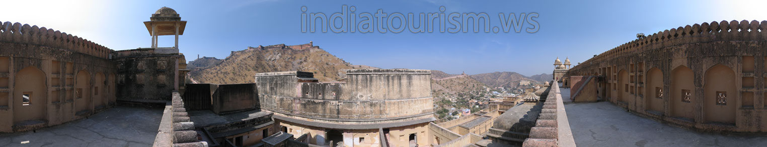 Jaigarh Fort as seen from the back side of the Amber Fort