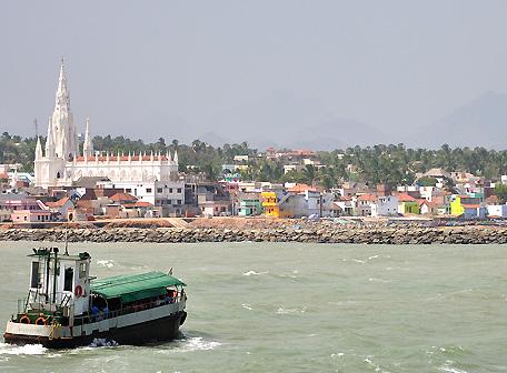 Ferry on its way from Vivekananda Rock Memorial to Kanyakumari