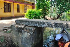 Если вы в штате Керала, каякинг должен быть вашим основным вариантом для путешествия по заводям