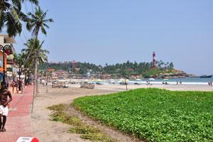 Пляж Маяк самая популярная часть пляжа Ковалам