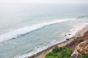 Синие, зелёные и коричневые цвета вечернего пляжа Варкала