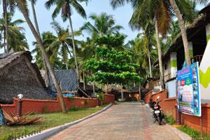 Этот переулок ведёт к туристическим домам на северном утёсе