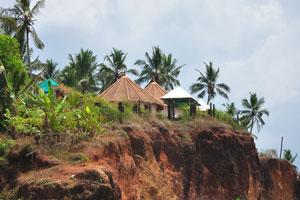 Туристические дома на вершине утёса