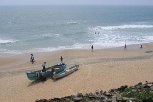 Пляж Варкалы покрыт натуральным мелким песком