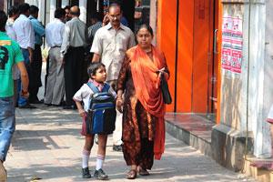 Вот мать и сын на Парк-стрит