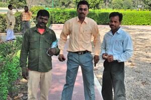 Вот туристы из соседнего Бангладеша
