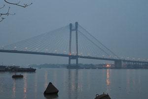 Мост Видьясагар Сету ночью