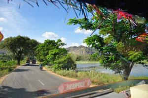 Мы подъезжаем к холму Марутуважмалай, район Каньякумари