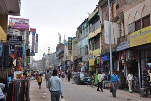 Мэйн Базар в Нью-Дели: обменники валюты и разные магазины