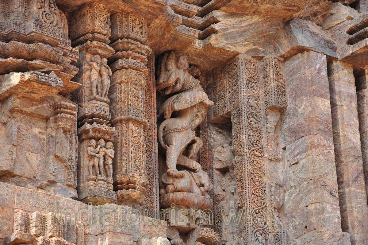 Kama sutra wall carvings konark orissa