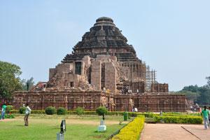 Задний вид храма