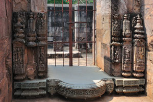 Одно из зданий позади храма Солнца