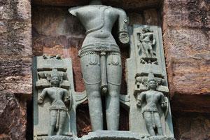 Статуя сурии без головы