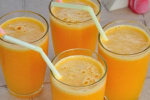 Вот очень вкусный свежий апельсиновый сок