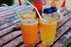 Вот свежевыжатый сок папайи