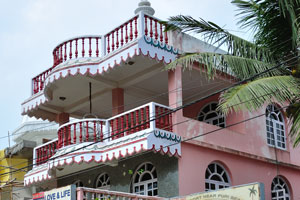 Роскошный дом отдыха возле пляжа Пури, отель «Любовь и жизнь»