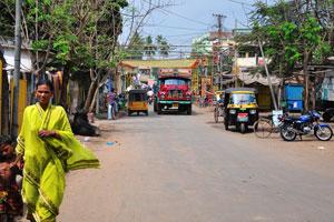 Каждый автобус в Индии украшают