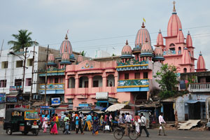 Розовый храм на улице Бада Данда