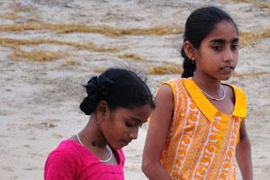 Маленькие девочки из рыбацкой деревни