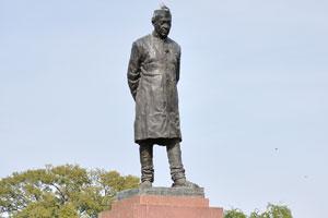 Статуя Джавахарлала Неру