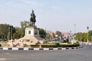 Статуя Саваи Ман Сингха II