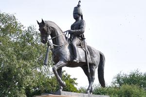 Генерал-лейтенант Его Высочество Радж Раджендра Шри Махараджадирадж сэр Саваи Ман Сингх II