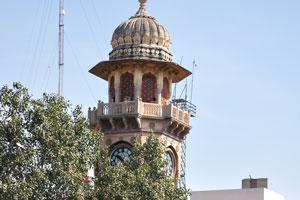 Дорога Мирза Исмаил: Часовая башня