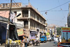 Чоукри Пурани Басти блок: Дорога Нахаргар