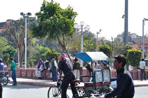 Велорикша на улице около Новых ворот