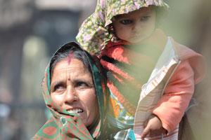 Лица Джайпура: ребёнок с линиями вокруг глаз и тонированными ресницами