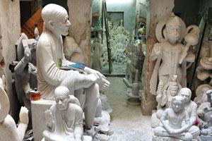 Казане Валон ка Раста: мраморные статуи